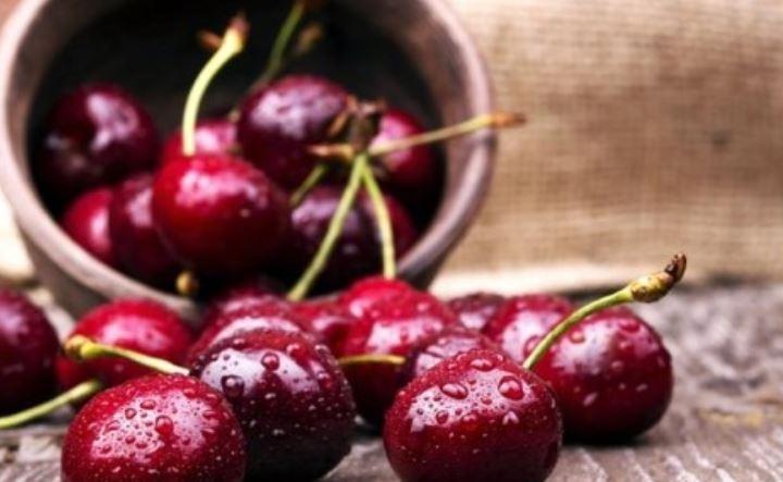 13 benefícios de comer cerejas durante a gravidez