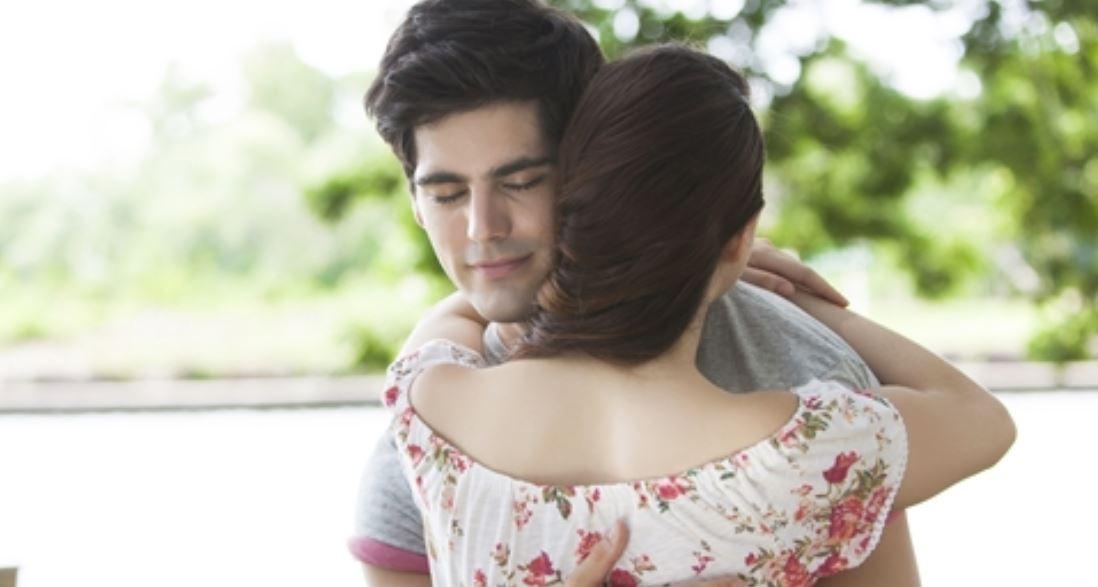 Sonhar com abraço: Significado, Interpretação