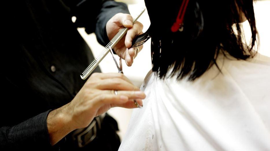 cortando o cabelo