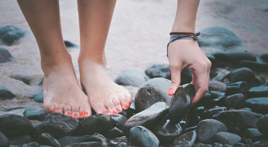 Sonhar com mão, pé: Significado e interpretação de sonhos