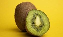 Kiwi: 18 benefícios e propriedades para a saúde