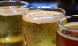 Cerveja: 16 benefícios e propriedades para a saúde