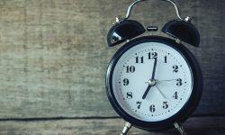 Horas invertidas 12:21: O que isso significa?